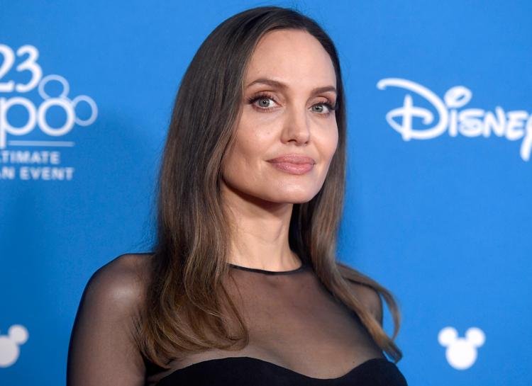 Анджелина Джоли объяснила, почему она до сих пор одинока