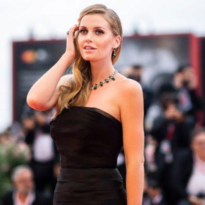30-летняя племянница принцессы Дианы вышла замуж за 60-летнего миллиардера