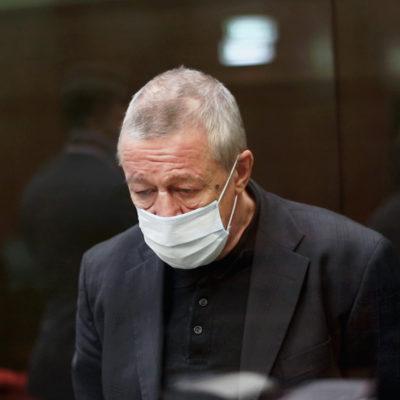 Эльман Пашаев сообщил, что у Михаила Ефремова большие проблемы со здоровьем